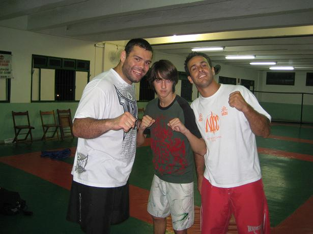 Napão, Johnny and Gil